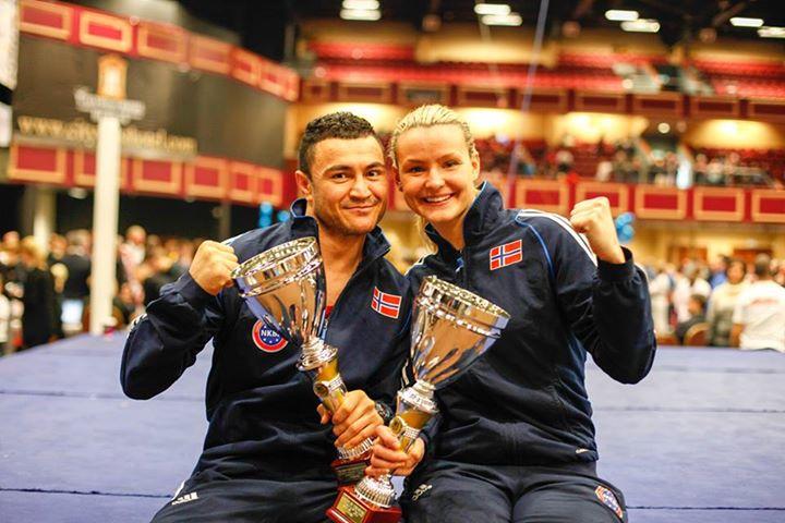 Shahwali sammen med Cathrine Heggøy Fonnes etter å ha vunnet World Cup Italia 2014 Foto: Kenneth Brunn